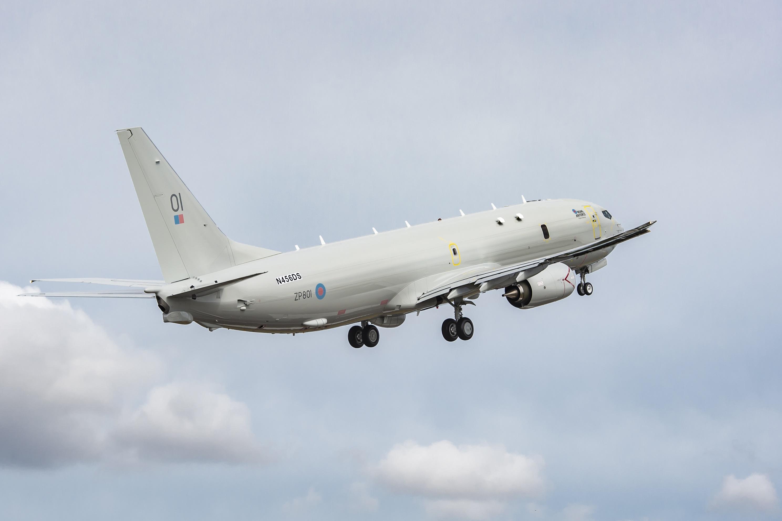 El primer Boeing P-8A Poseidon para el Reino Unido toma vuelo