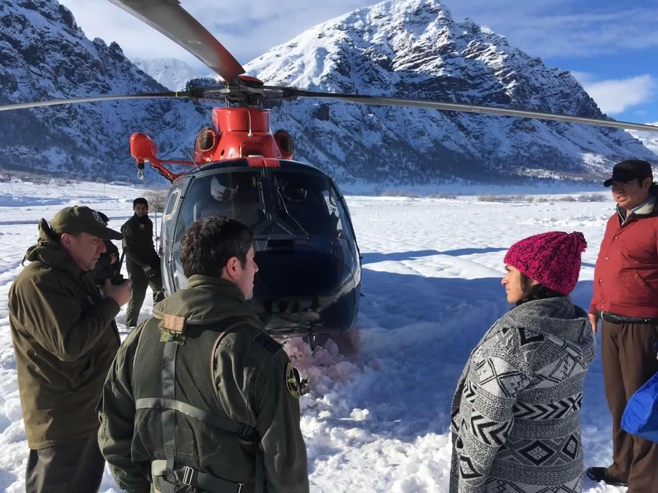 Helicóptero naval evacuó desde Alto Bio Bio a mujer embarazada
