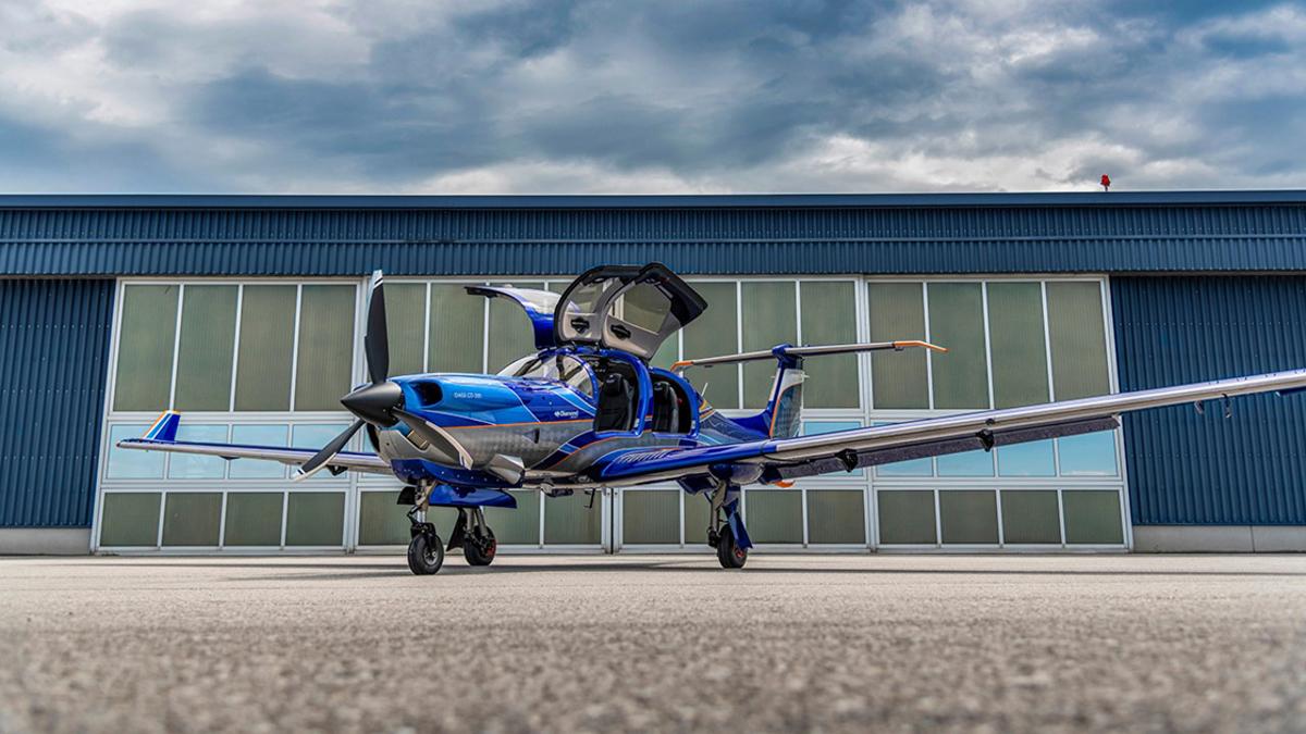 Nuevo Diamond Aircraft 5 Seat DA50 RG con tren retráctil