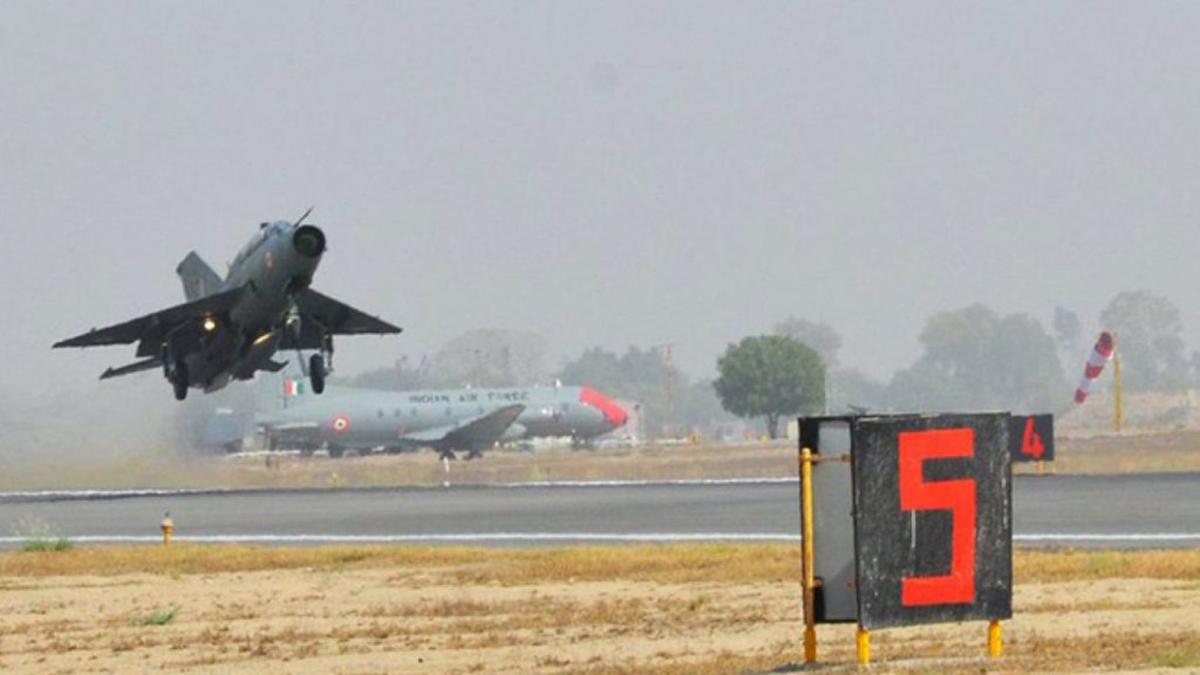 Indra mejora los sistemas ILS de las bases aéreas de la India